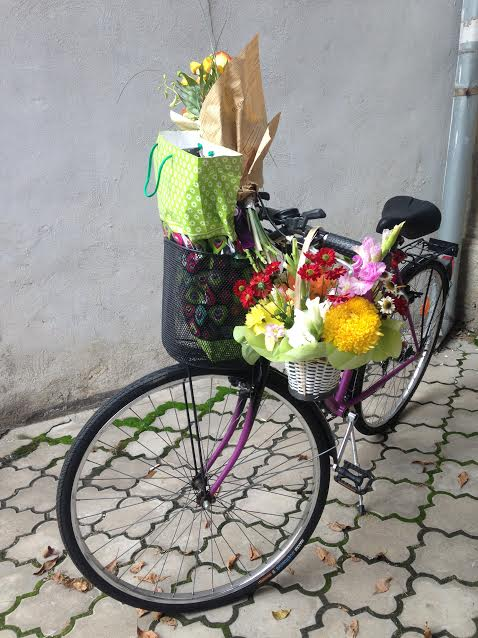 happy-bike, cycling around bucharest with birthday gifts