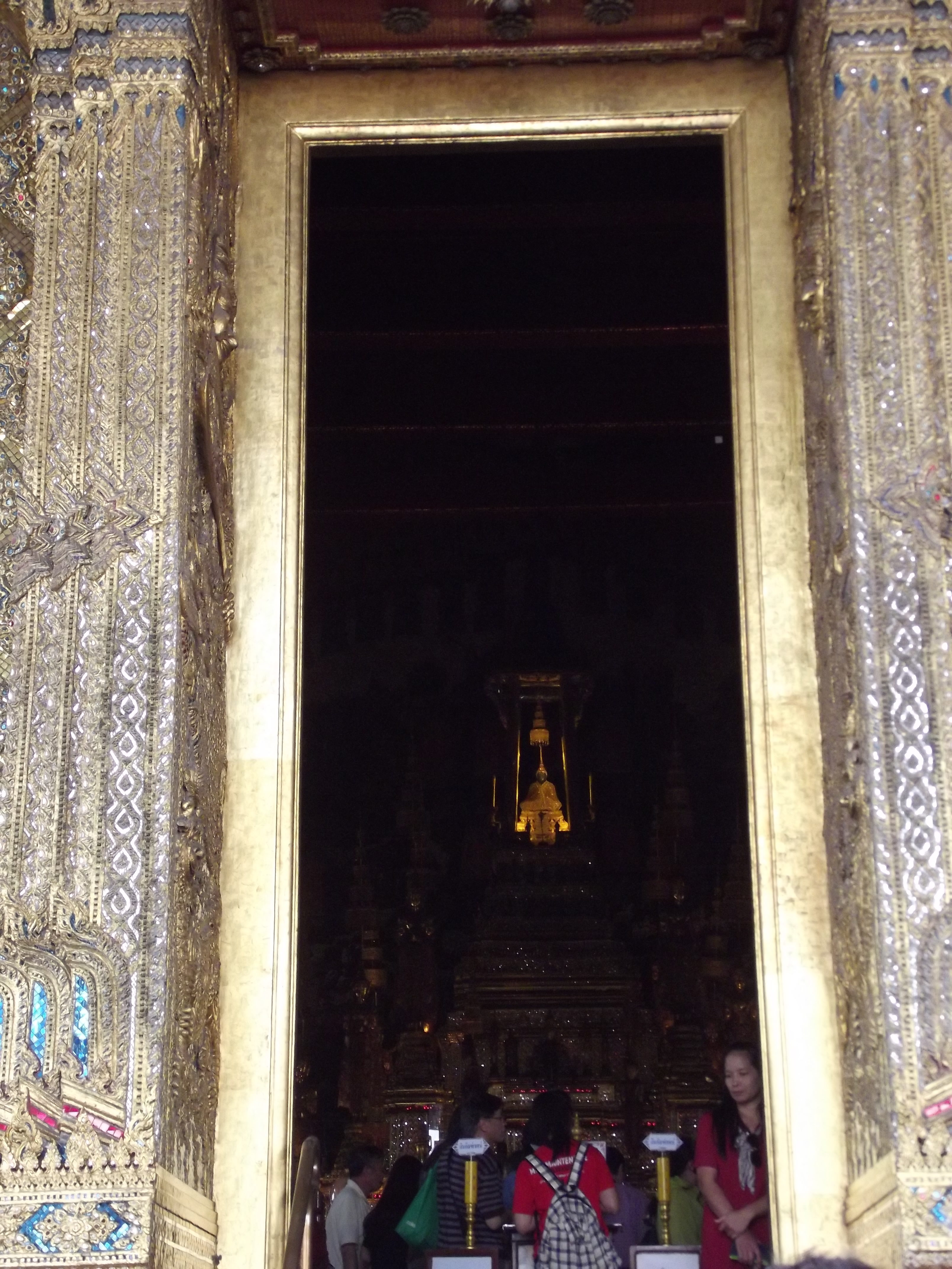 royal chapel of the emerald buddha bangkok thailand